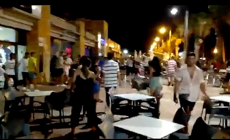 <span style='color:#780948'>ARCHIVED</span> - Man arrested after street brawl in Puerto de Mazarrón