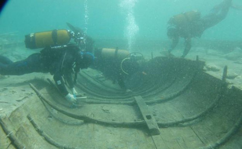 <span style='color:#780948'>ARCHIVED</span> - The future of the 2,700-year-old Phoenician shipwreck in Puerto de Mazarrón hangs in the balance