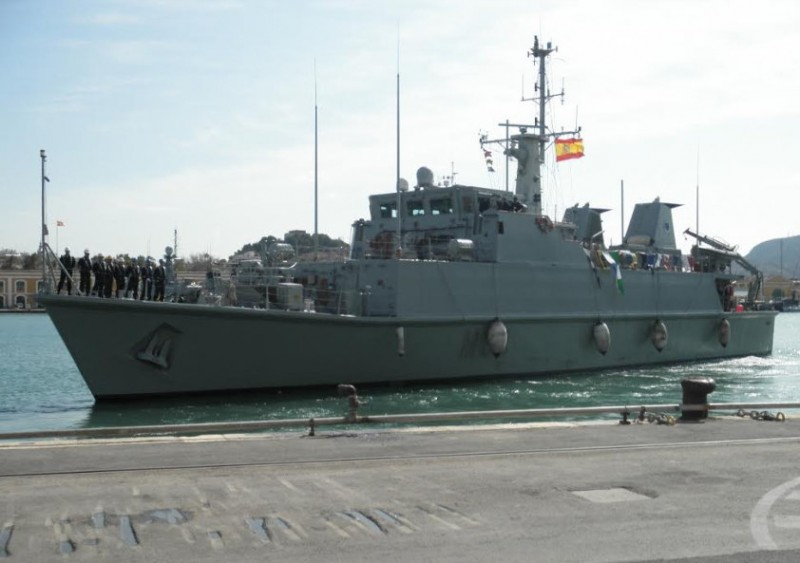 <span style='color:#780948'>ARCHIVED</span> - Minesweeper runs aground during crashed fighter jet salvage operation off La Manga