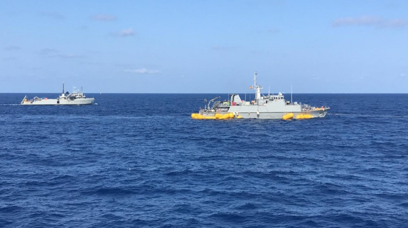 <span style='color:#780948'>ARCHIVED</span> - Stranded minesweeper towed from La Manga to Cartagena