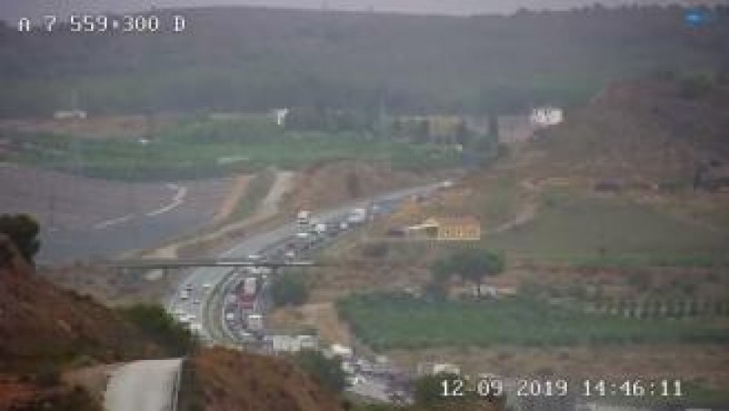 <span style='color:#780948'>ARCHIVED</span> - Murcia-Alicante motorway closed by flooding
