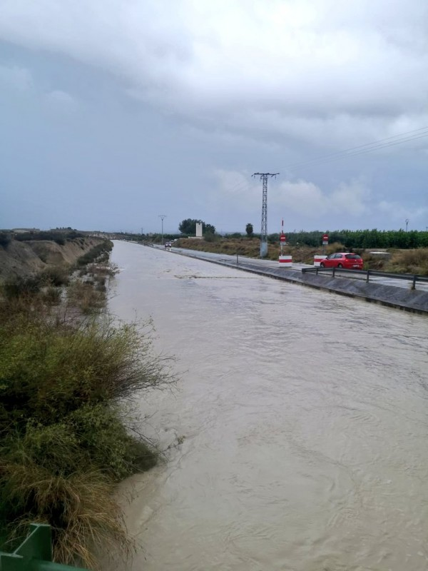 <span style='color:#780948'>ARCHIVED</span> - Rainfall total up to 204 millimetres in Molina de Segura as Segura bursts its banks in Archena