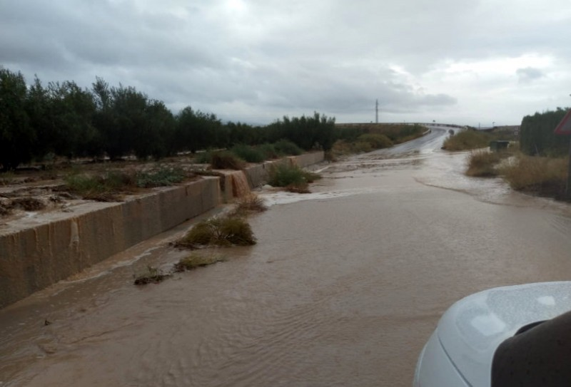 <span style='color:#780948'>ARCHIVED</span> - Corvera airport closed by flooding as gota fría storm continues in Murcia