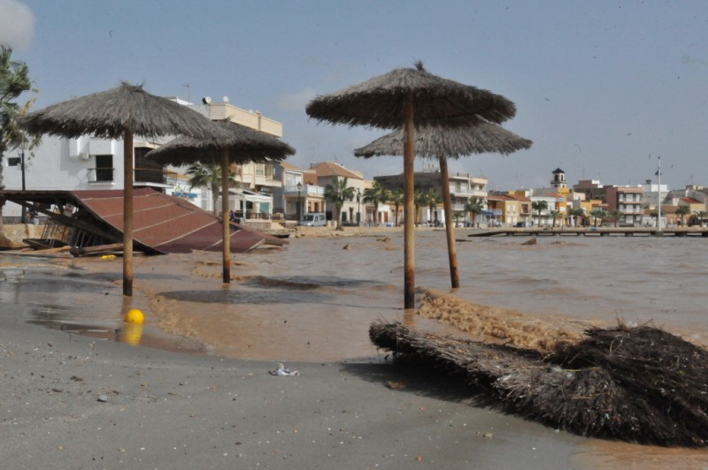 <span style='color:#780948'>ARCHIVED</span> - Los Alcázares beaches disappear as Mar Menor rises