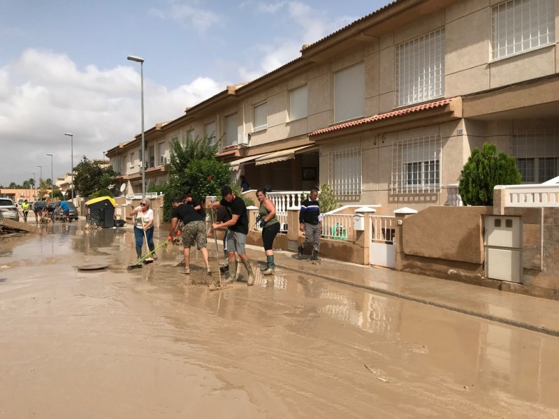 <span style='color:#780948'>ARCHIVED</span> - Torre Pacheco volunteers out in force in Torre Pacheco; more needed