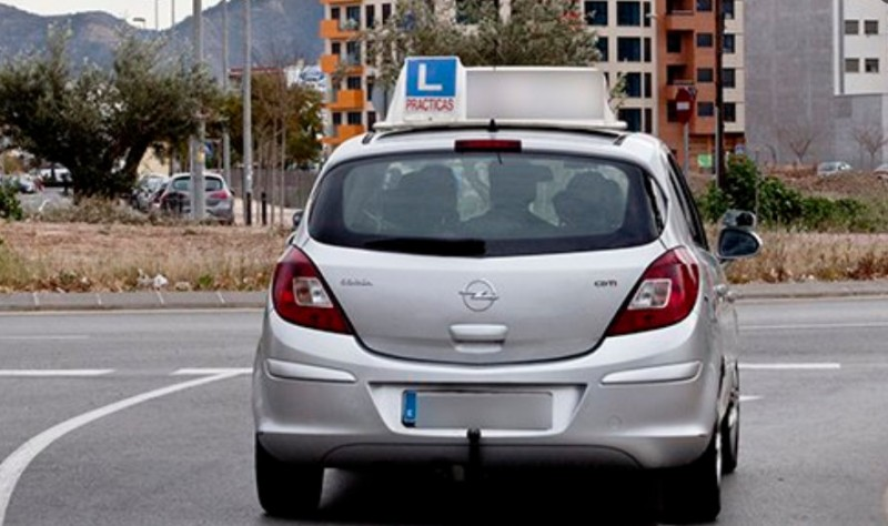 <span style='color:#780948'>ARCHIVED</span> - Spanish driving test examiners to allow the use of parking sensors and rear view cameras