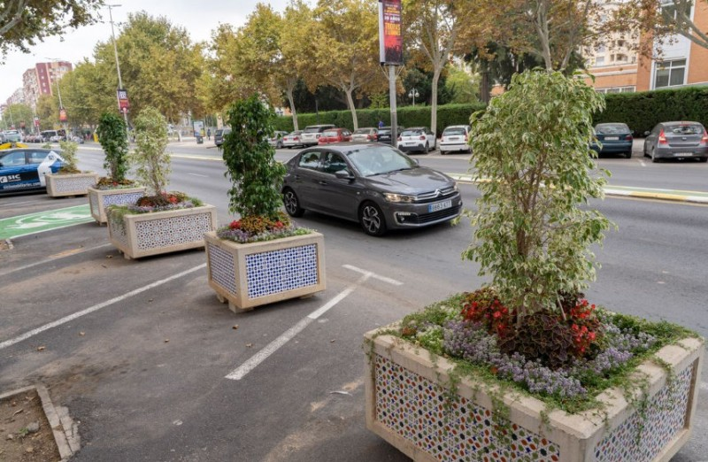 <span style='color:#780948'>ARCHIVED</span> - Cartagena Town Hall blocks parking spaces with flowerpots