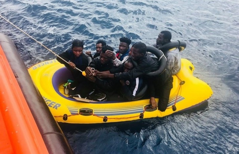 <span style='color:#780948'>ARCHIVED</span> - 56 African migrants intercepted off the coast of Cartagena
