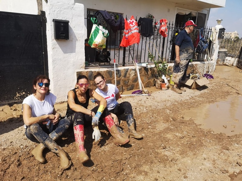 <span style='color:#780948'>ARCHIVED</span> - Mazarrón volunteers helping with Los Alcázares Gota Fría clean-up