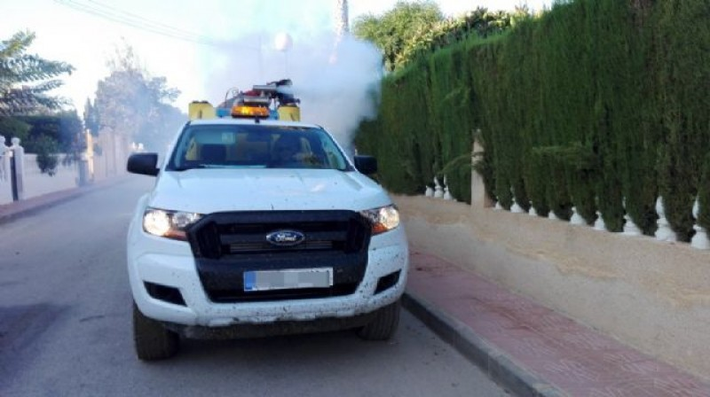 <span style='color:#780948'>ARCHIVED</span> - Mosquito spraying in Mazarrón as larvae in gota fría floodwater begin to develop into adults