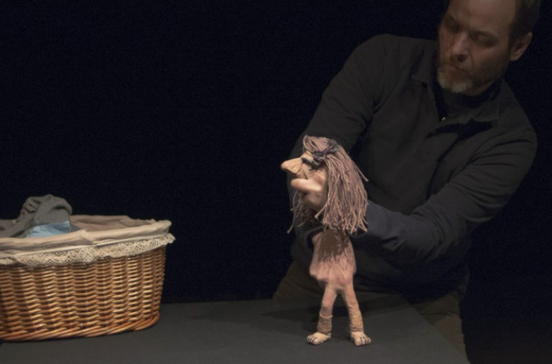 10th November, Vida, adult puppet theatre at the Centro Párraga in Murcia