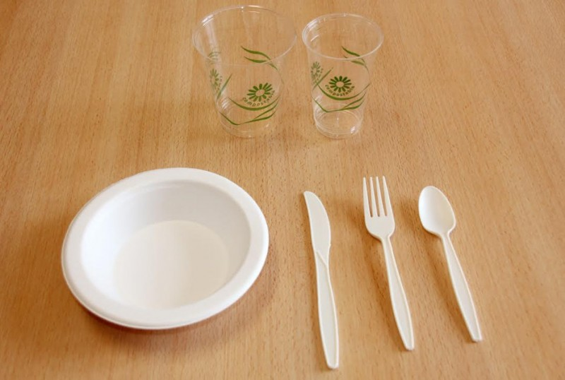 <span style='color:#780948'>ARCHIVED</span> - Alhama Town Hall introduces environmentally friendly cups and cutlery at the Feria