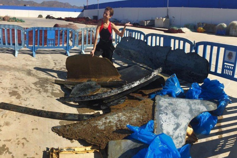 800 kilos of marine waste removed from the bay of Mazarrón