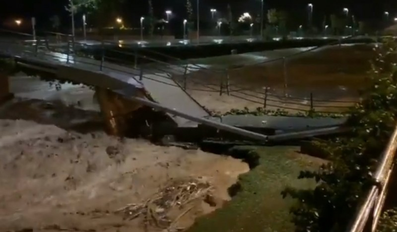<span style='color:#780948'>ARCHIVED</span> - One dead and 2 missing in gota fría flooding in Catalunya