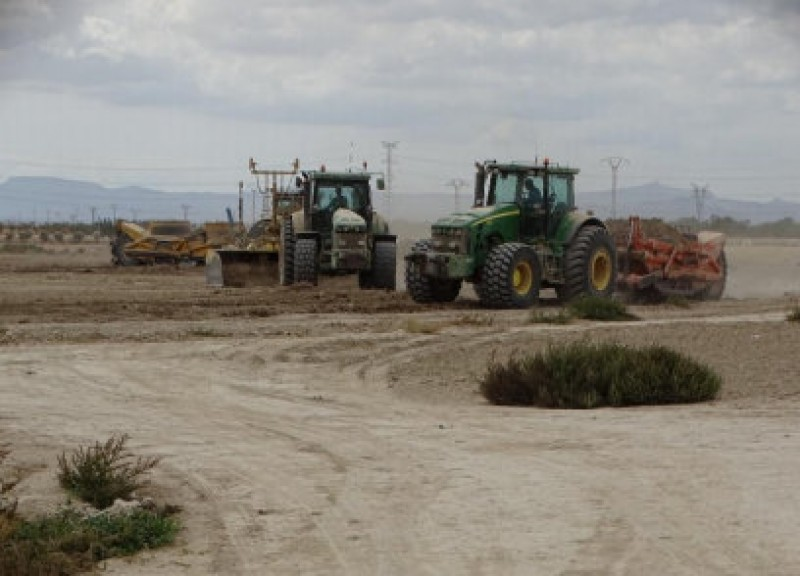<span style='color:#780948'>ARCHIVED</span> - Agriculturalists propose restricting irrigation farming to protect the Mar Menor