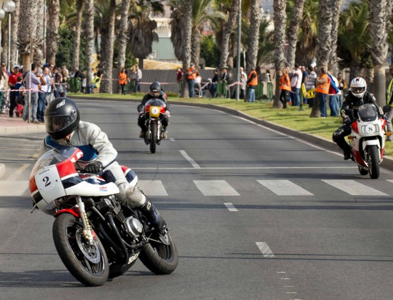 <span style='color:#780948'>ARCHIVED</span> - Sunday 17th November: Classic motorcycle race around the urban centre of Cartagena