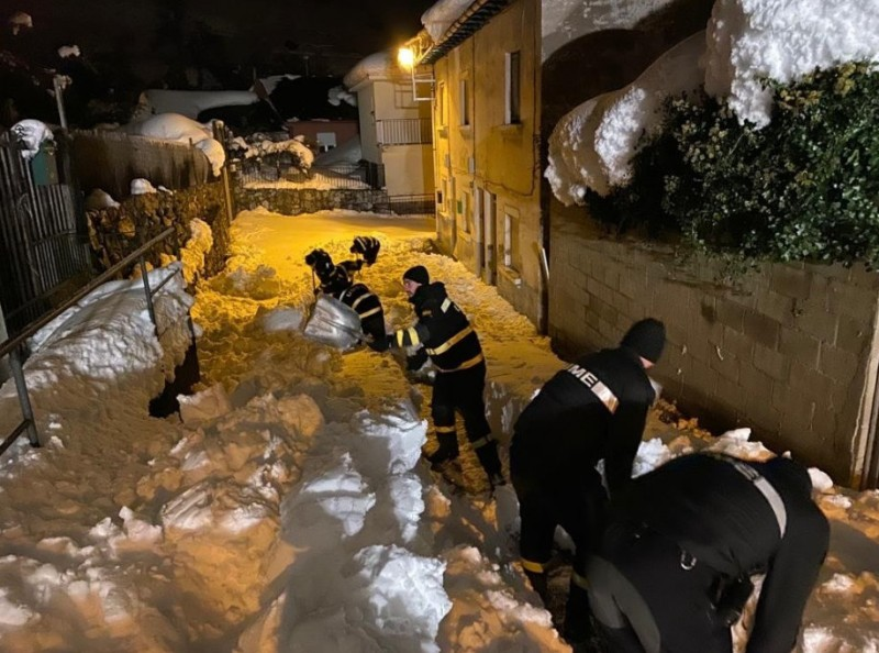 Military Emergencies Unit called out as snow isolates villages in northern Spain