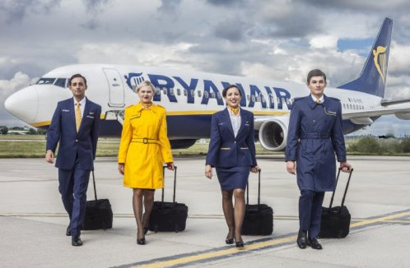 <span style='color:#780948'>ARCHIVED</span> - Ryanair forced to return 20-euro handbag surcharge