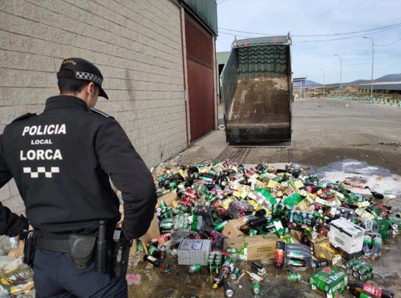 <span style='color:#780948'>ARCHIVED</span> - Lorca police destroy 3,500 confiscated alcoholic drinks