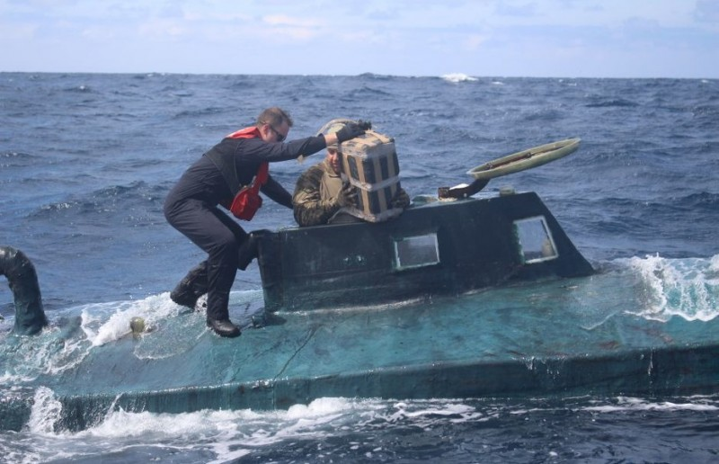 <span style='color:#780948'>ARCHIVED</span> - Transatlantic narco-submarine intercepted off Galicia with 3 tons of cocaine on board