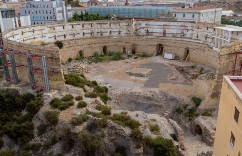 Work begins to allow consolidation of the outer wall of the Roman amphitheatre in Cartagena