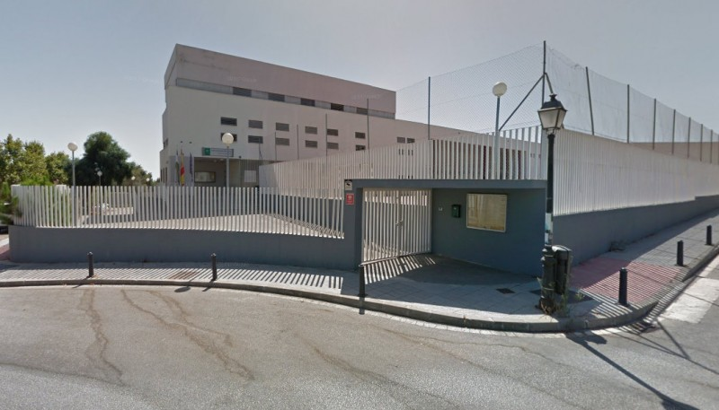 <span style='color:#780948'>ARCHIVED</span> - Drugs found in the schoolbags of 13-year-olds during sniffer dog demonstration at Marbella school