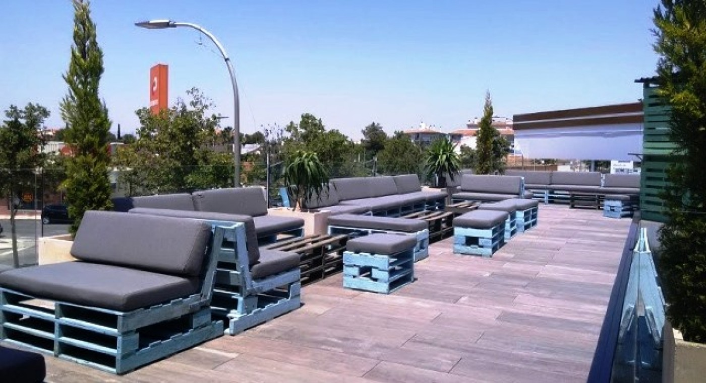 """El Peral Gastrobar and  rooftop cocktail bar """"El Jardin""""  in Fuente Álamo"""