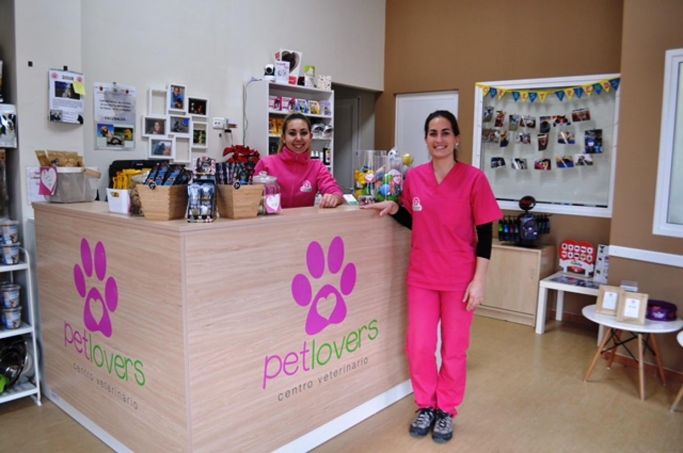 Pet Lovers Veterinary Clinic and grooming services Sucina