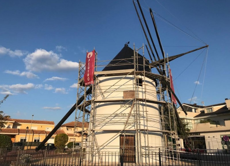 <span style='color:#780948'>ARCHIVED</span> - 182-year-old windmill restored to working condition in Torre Pacheco