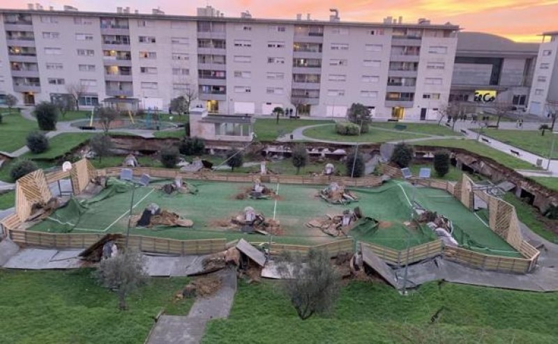 Disaster averted in Santander as children's playground collapses into underground car park