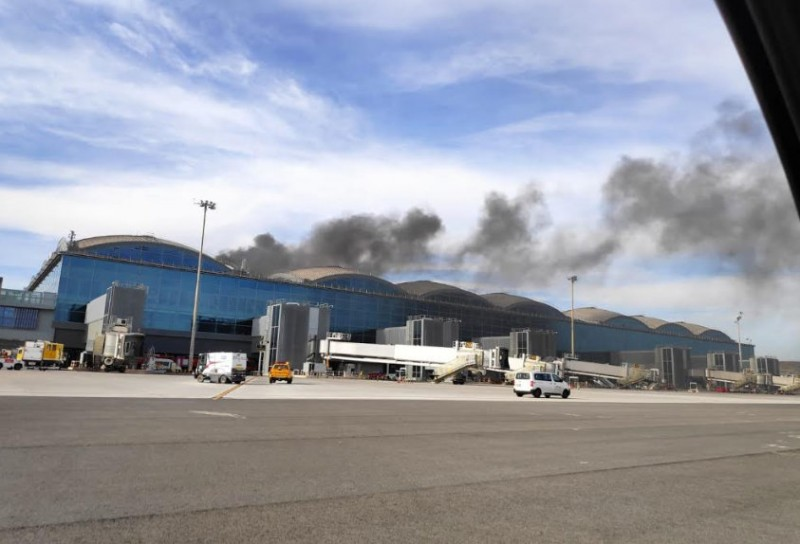 <span style='color:#780948'>ARCHIVED</span> - Alicante-Elche airport closed by fire in the terminal building