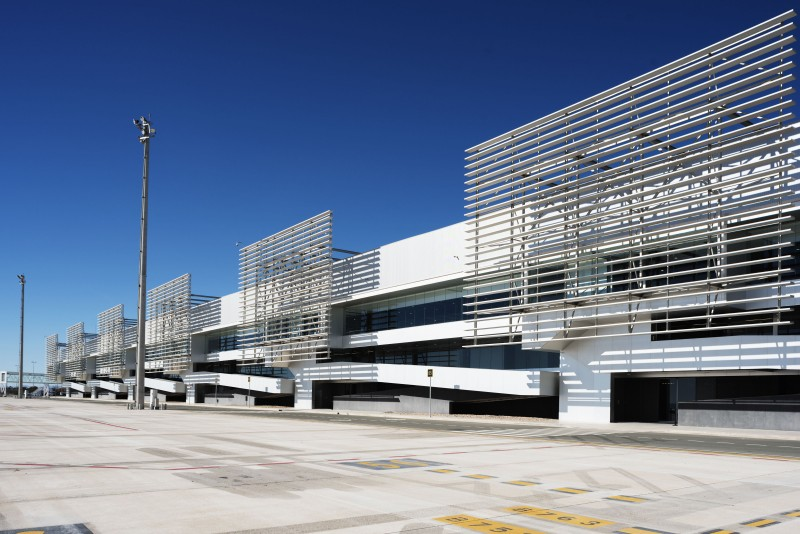 <span style='color:#780948'>ARCHIVED</span> - Normal service resumed after fire at Alicante-Elche airport