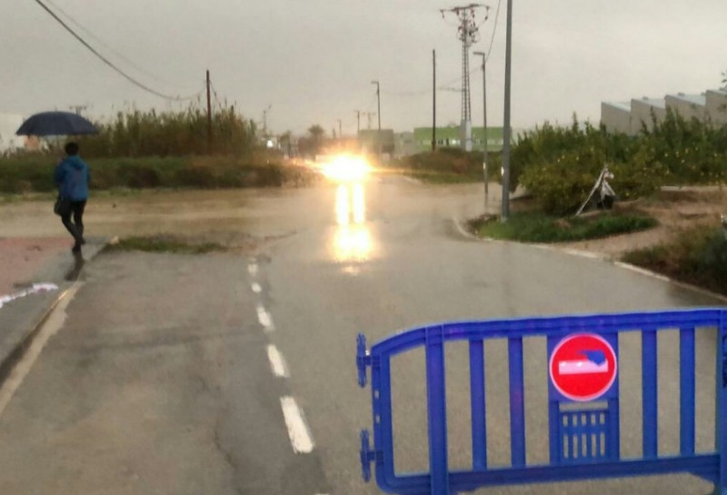 <span style='color:#780948'>ARCHIVED</span> - Update: torrential rain closes more roads in the Costa Cálida