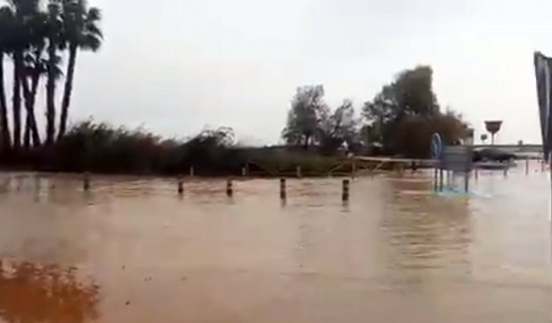 <span style='color:#780948'>ARCHIVED</span> - VIDEO: Flooding in San Pedro del Pinatar forces the closure of the regional park