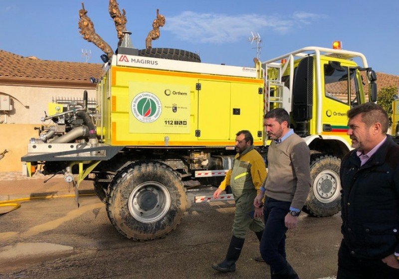 <span style='color:#780948'>ARCHIVED</span> - Murcia government sends staff and vehicles to help the clean-up in Los Alcázares