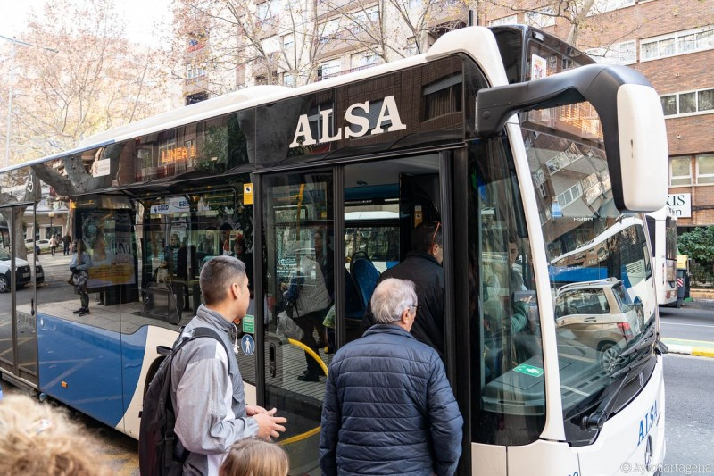 Cartagena joins Murcia in providing free bus services while African dust pollution episode lasts