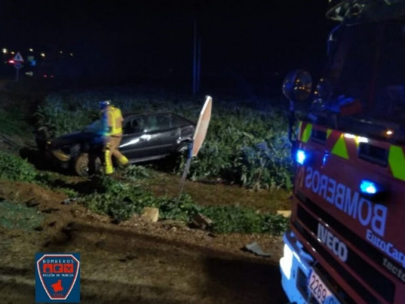 <span style='color:#780948'>ARCHIVED</span> - Two injured in Totana car crash