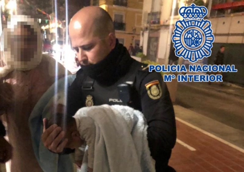 <span style='color:#780948'>ARCHIVED</span> - Police officers in Valencia save 2-month-old baby after 20 minutes of resuscitation