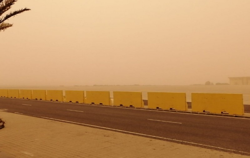 <span style='color:#780948'>ARCHIVED</span> - Canary Islands cut off by severe Saharan dust storm