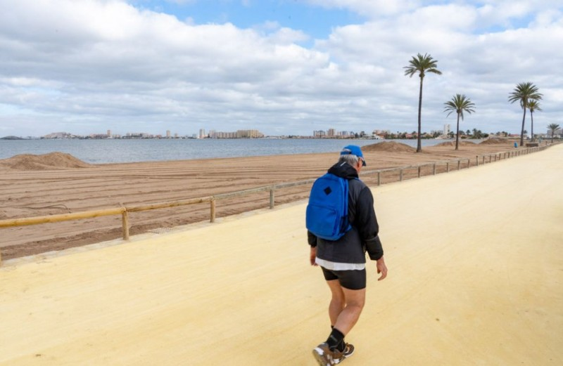<span style='color:#780948'>ARCHIVED</span> - 175 tons of seaweed and vegetation removed from beaches in the southern Mar Menor