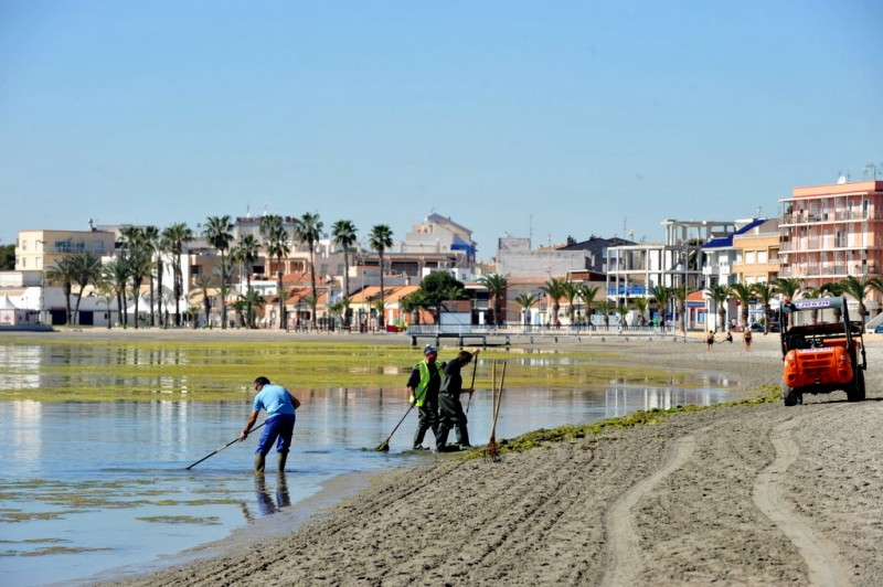 <span style='color:#780948'>ARCHIVED</span> - Beach repairs progress in San Pedro del Pinatar