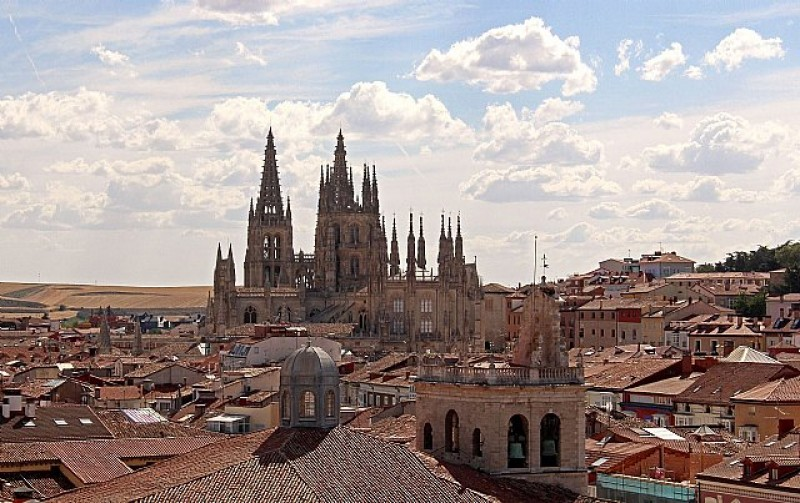 <span style='color:#780948'>ARCHIVED</span> - Spanish tourism authorities move Burgos cathedral to Murcia at Netherlands fair!