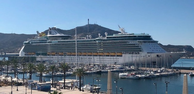 <span style='color:#780948'>ARCHIVED</span> - Worries in Cartagena over cruise ship arriving from Italy next week