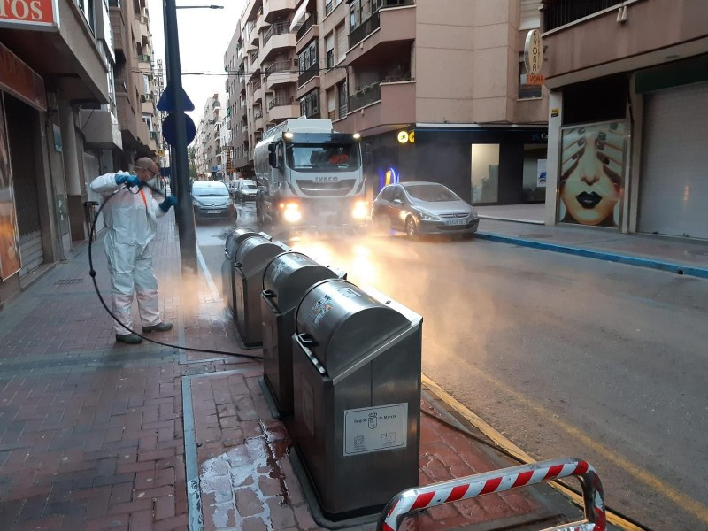 Águilas intensifies disinfection in the streets to minimise coronavirus spread