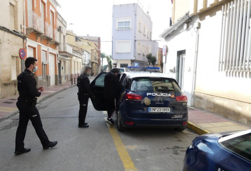 <span style='color:#780948'>ARCHIVED</span> - Two arrested over street party in Alcantarilla which ended with violent attacks on the police