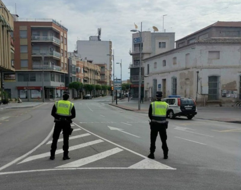 <span style='color:#780948'>ARCHIVED</span> - Alhama lockdown breaker arrested after attacking police officers