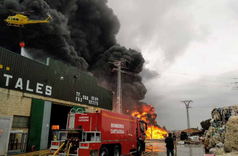 <span style='color:#780948'>ARCHIVED</span> - Massive fire at Fuente Álamo plastics recycling plant