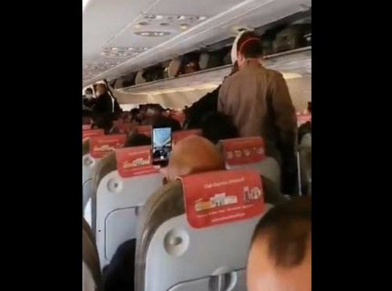 The Guardia Civil denounces Iberia Air and Air Europa for lack of social distancing on flights