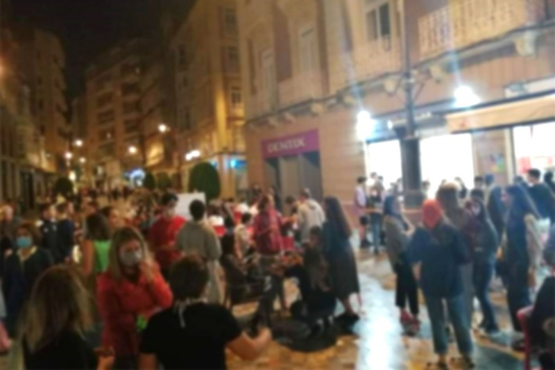 Cartagena Mayoress will close bars again if residents don´t respect social distancing
