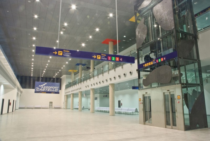13 Spanish airports can receive international flights but NOT tourists
